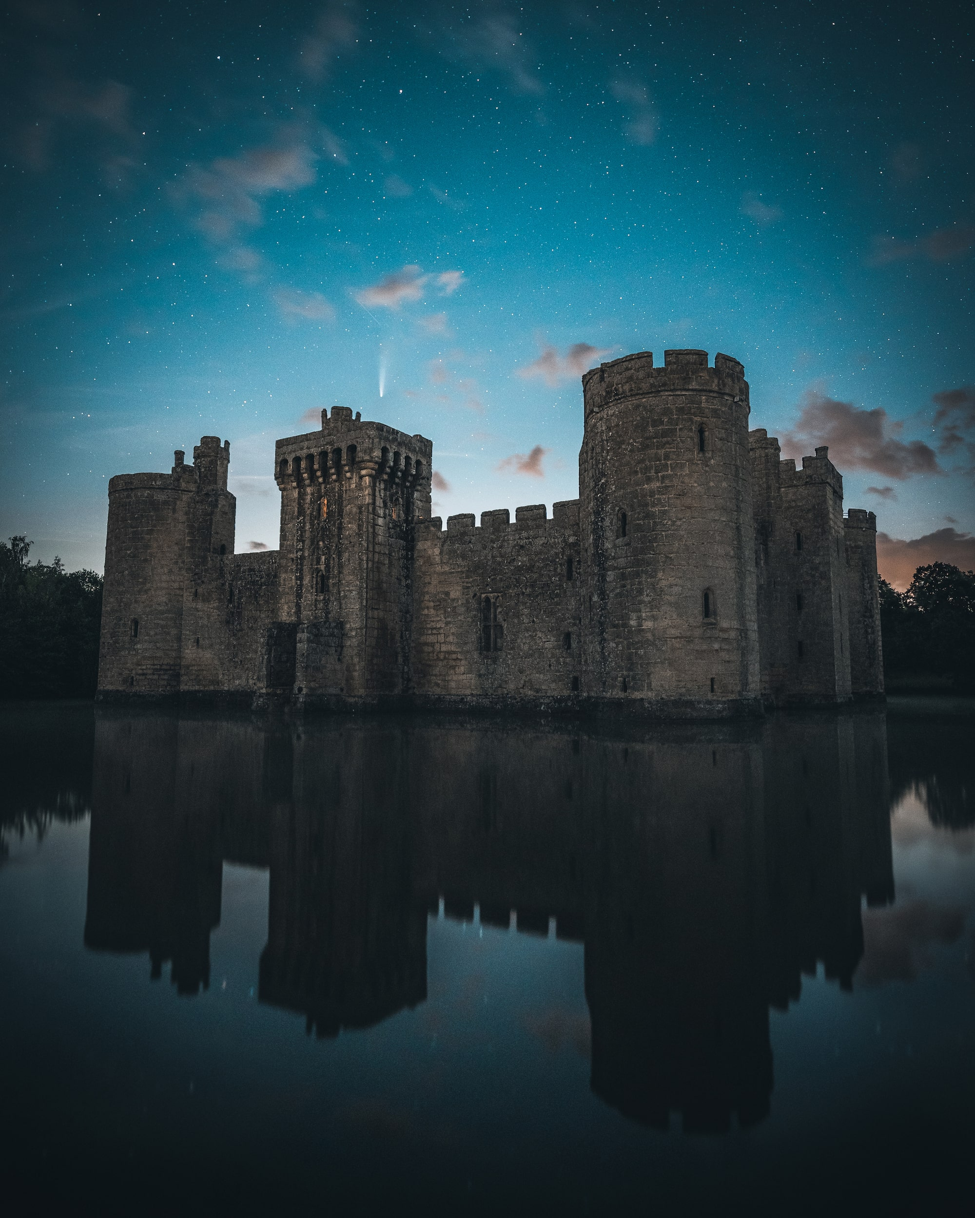 mike will sony alpha 7M3 bodiam castle at night