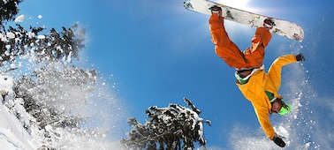 Image of snowboarder showing blur-free detail with LED XR X-Motion Clarity™